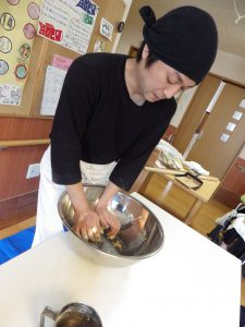 [七瀬の杜] お蕎麦の丸新さんが来てくださいました(^^)