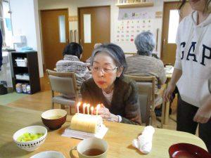 誕生日会を行いました。~グループホームまゆ篠ノ井~