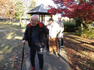 秋の公園をお散歩♪【デイサービスセンター七瀬】