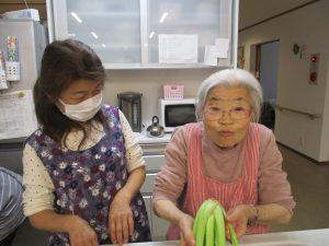 野沢菜漬けの準備!ご家族と一緒に♫~まゆ松代~