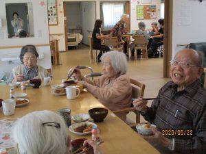 家事は協力して…皆で楽しく食事(^^♪~まゆ松代~
